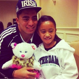 Here's A Photo Of Manti Te'o With Ronaiah Tuiasosopo's Sister The Night Before The Notre Dame-USC Game