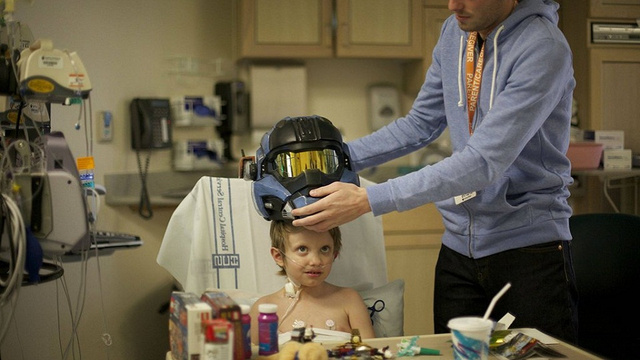 Bungie Uses Halo Helmet To Cheer Up Sick Child