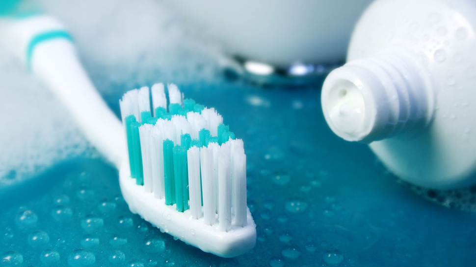 Don't Rinse Your Mouth Out After Brushing Your Teeth