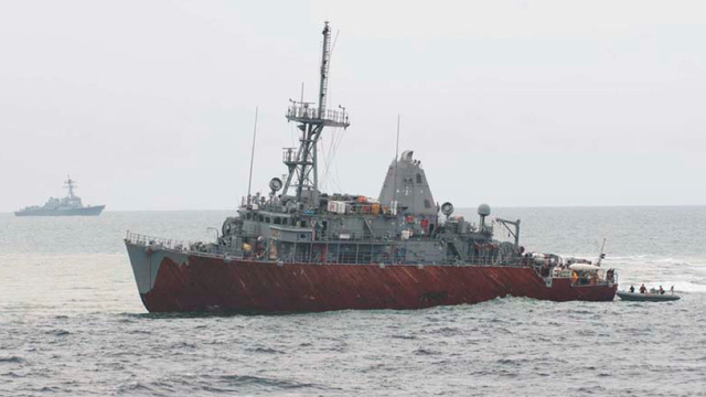 The Navy Will Move A Grounded Ship By Cutting It Into Chunks