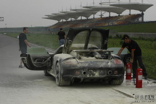 Porsche Carrera GT Burns In Shanghai