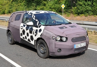 2011 Chevrolet Aveo (Viva) Spied With Decent-Looking Interior
