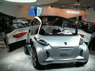Peugeot BB1 Concept: Tiny Flying Fetus Still Crazy-Looking