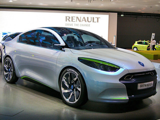 Renault Fluence ZE Electric Concept: We Surrender!