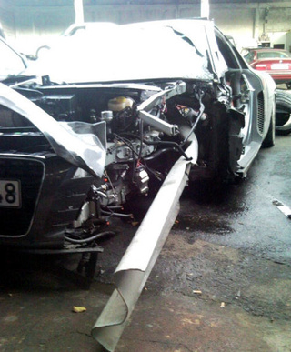 Guardrail Skewers Audi R8