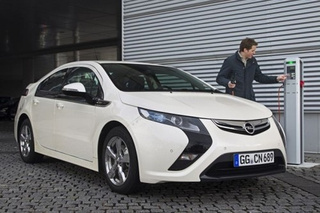 Opel Ampera: Volt No Longer Robin, Now Nightwing