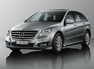 2011 Mercedes R-Class: Never Going Full Minivan