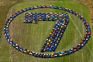 "Caterham 7 Owners Honor Savior With Giant ""7"""