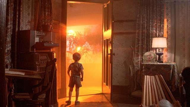 "The Best ""Aliens Land on Earth"" Scenes Ever Filmed"
