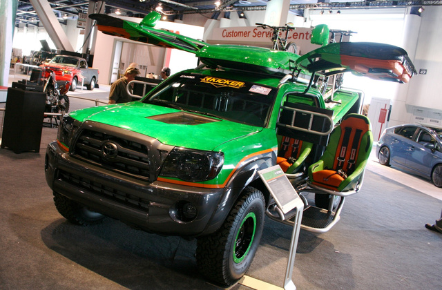 Toyota All-Terrain Gamer XBOX Tacoma: SEMA Photos
