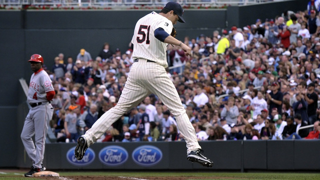 "The First Weird Baseball Injury Of 2013: Twins Reliever Breaks Ribs During ""Horseplay"""