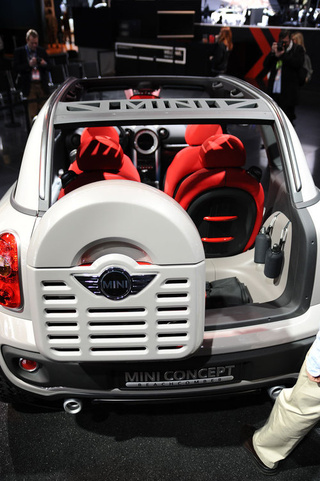 Mini Beachcomber Concept: Detroit Show Live Photos