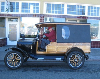 1924 Ford Model T Down On The Alameda Street