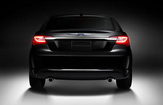 2011 Chrysler 200: First Photos