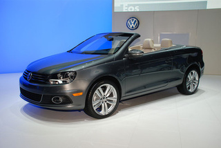 2012 Volkswagen Eos: Live Photos