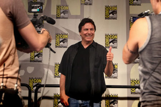 Richard Hatch: BSG Should Be More Like Star Trek