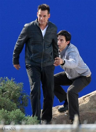 Heroes Set Pics: What The Hell Is Nathan Doing To Peter's Head?
