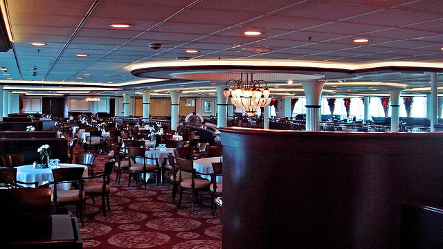 Get More Out of a Cruise Ship Dining Experience with These Insider Tips