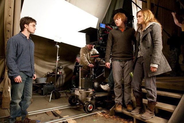 Harry Potter Deathly Hallows Set Pics