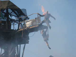 They're still doing a Waterworld show at Universal Studios - and it actually looks amazing!