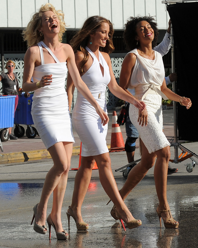 First Look at the Charlie's Angels Remake from the Producers of Smallville