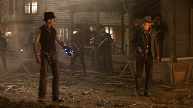 We've seen the first 40 minutes of Jon Favreau's Cowboys & Aliens - and they deliver the goods