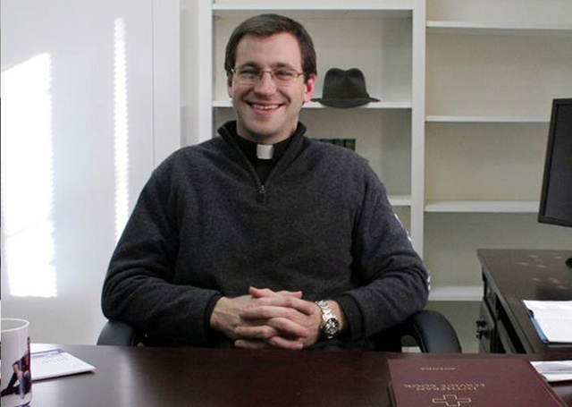 Lutheran Pastor Apologizes for Sharing Stage With 'False Religions' After Newtown Massacre