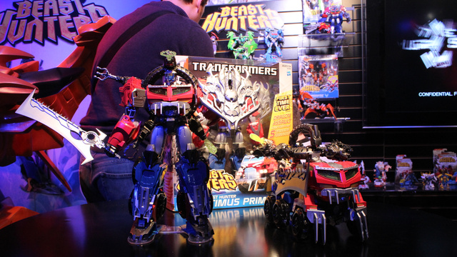 The Biggest Transformer Ever Made: Metroplex, and All the New Transformers from Toy Fair