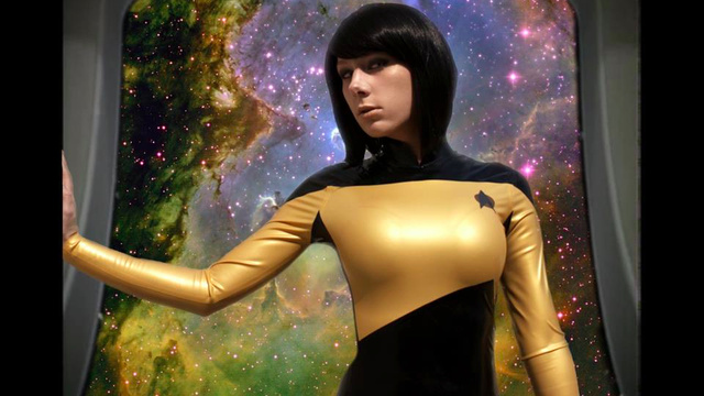 """Lady Data"" cosplay photos feature a gorgeous latex Star Fleet uniform"