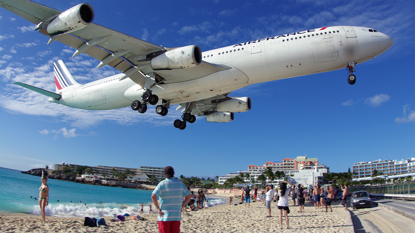23 Terrifying Runways That Will Stoke Your Fear Of Flying | Gizmodo ...