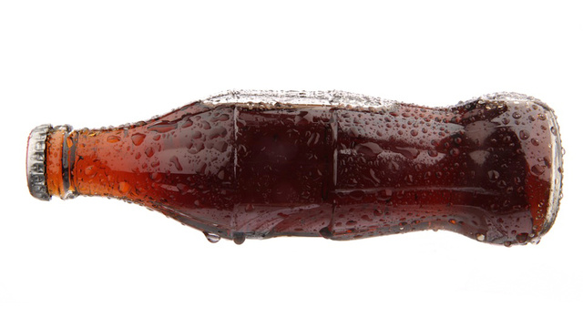 Click here to read A Woman Died from Drinking Too Much Coca Cola