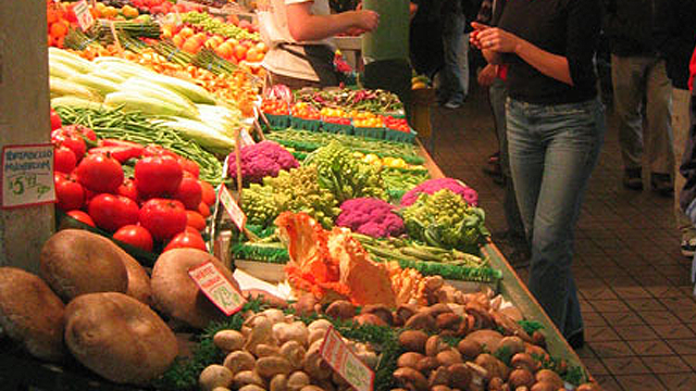Choose Fruits and Vegetables That Last for Months To Stop Wasting Food and Money