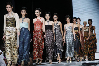 Jakarta's High Fashion Means Long, Lean Lines