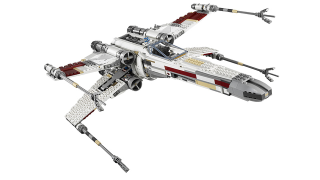Click here to read The Most Accurate and Awesome Lego X-Wing Ever Will Induce a Worldwide Spontaneous Nerdgasm
