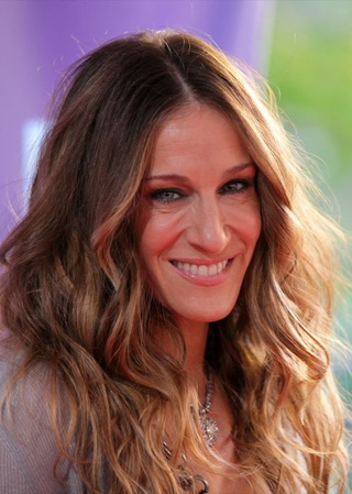 "SJP Calls SATC 2 A ""Romp""; Courtney Love Explains Why She's Good In Bed"