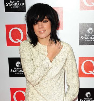 Lily Allen Quits Music For Fashion; Obama Breaks With Presidential Dress Code