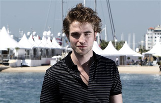 Robert Pattinson Spills Twilight Sequel Secrets