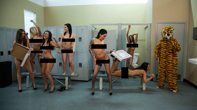 Click here to read Porn Star Internet Memes: Naked Harlem Shake (NSFW)