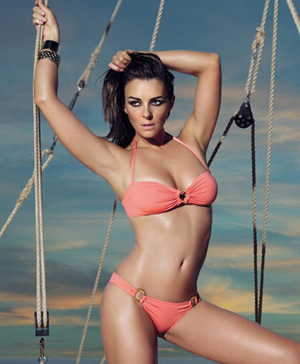 "Liz Hurley Loves Getting Airbrushed To Be ""Thinner"" & ""Younger"""