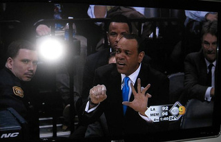 Lionel Hollins Would Like To Give A Hand. A Terrifying, Terrifying Hand.