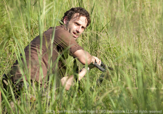 The Governor's evil insanity beats Rick's plain insanity on The Walking Dead