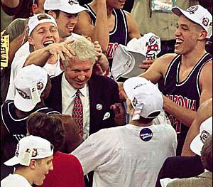 Lute Olson Finds It Hard To Say Goodbye
