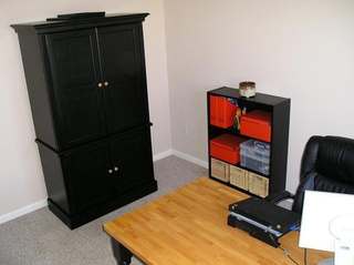 Thrifty Minimalism: The Office Craigslist Built - Gallery
