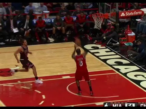 LeBron James Misses Wide-Open Dunk, Is Still Basically Infallib…