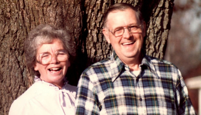 Man Buried Beside Wife After Dying on the Way to Her Funeral