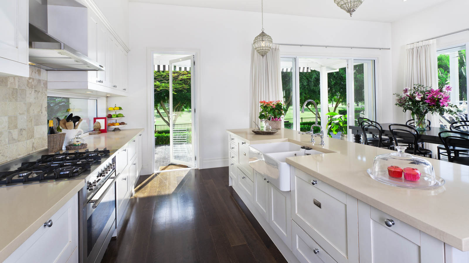 Stunning Beautiful Kitchens with White Cabinets 1600 x 900 · 186 kB · jpeg
