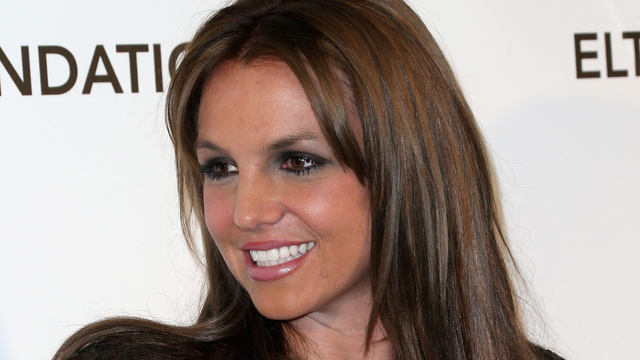 Click here to read Britney Spears Dyed Her Hair Brown and It Is Legitimately Notable, We Swear