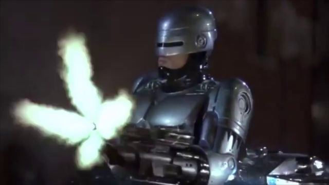 Click here to read The Weirdest Thing on the Internet Tonight: Full On Robocop 33