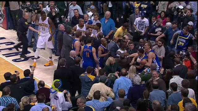 The Warriors and Pacers got into a fight, Roy Hibbert ejected (…