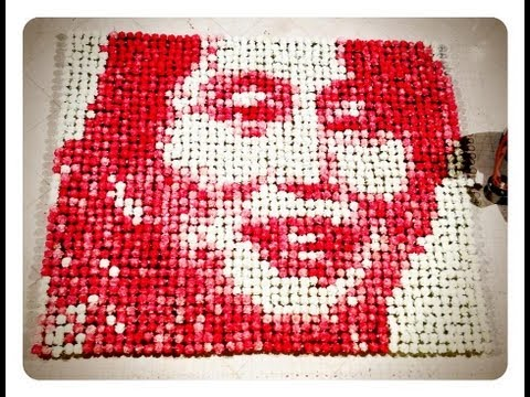 Click here to read 2,000 Tinted Carnations Make For Beautifully Tedious Art